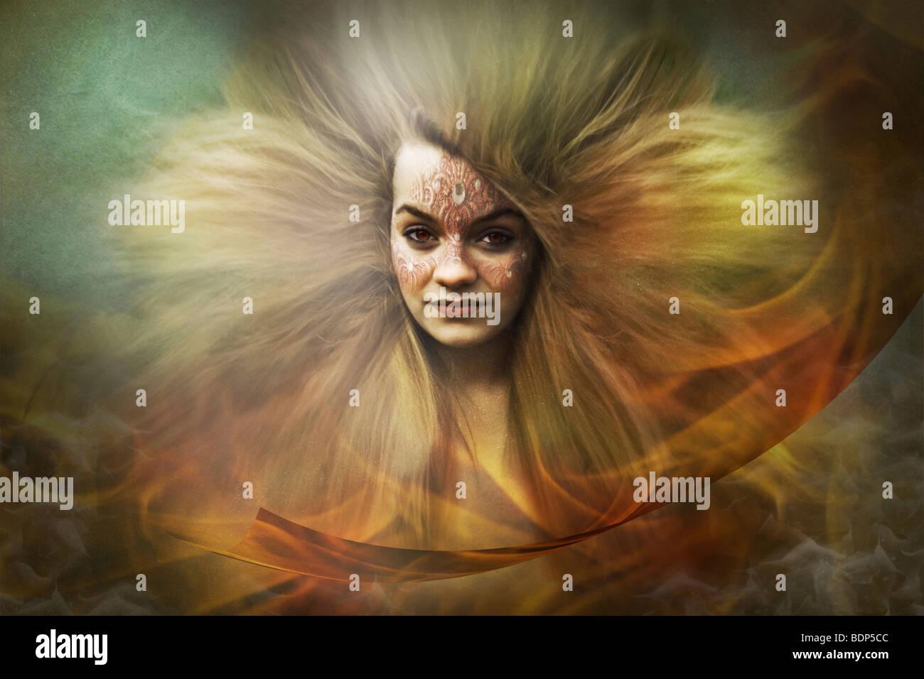 Fantasy Bild einer Frau trägt eine Maske und Haare mit Flammen um sie herum fließt Stockbild