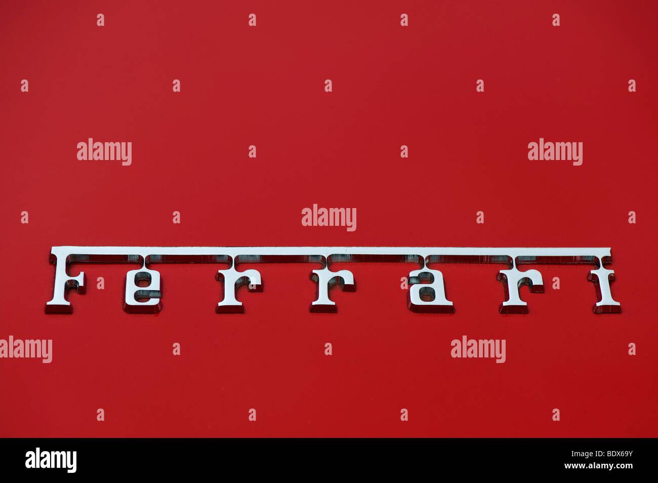 Ferrari Namensschild Stockfotografie Alamy