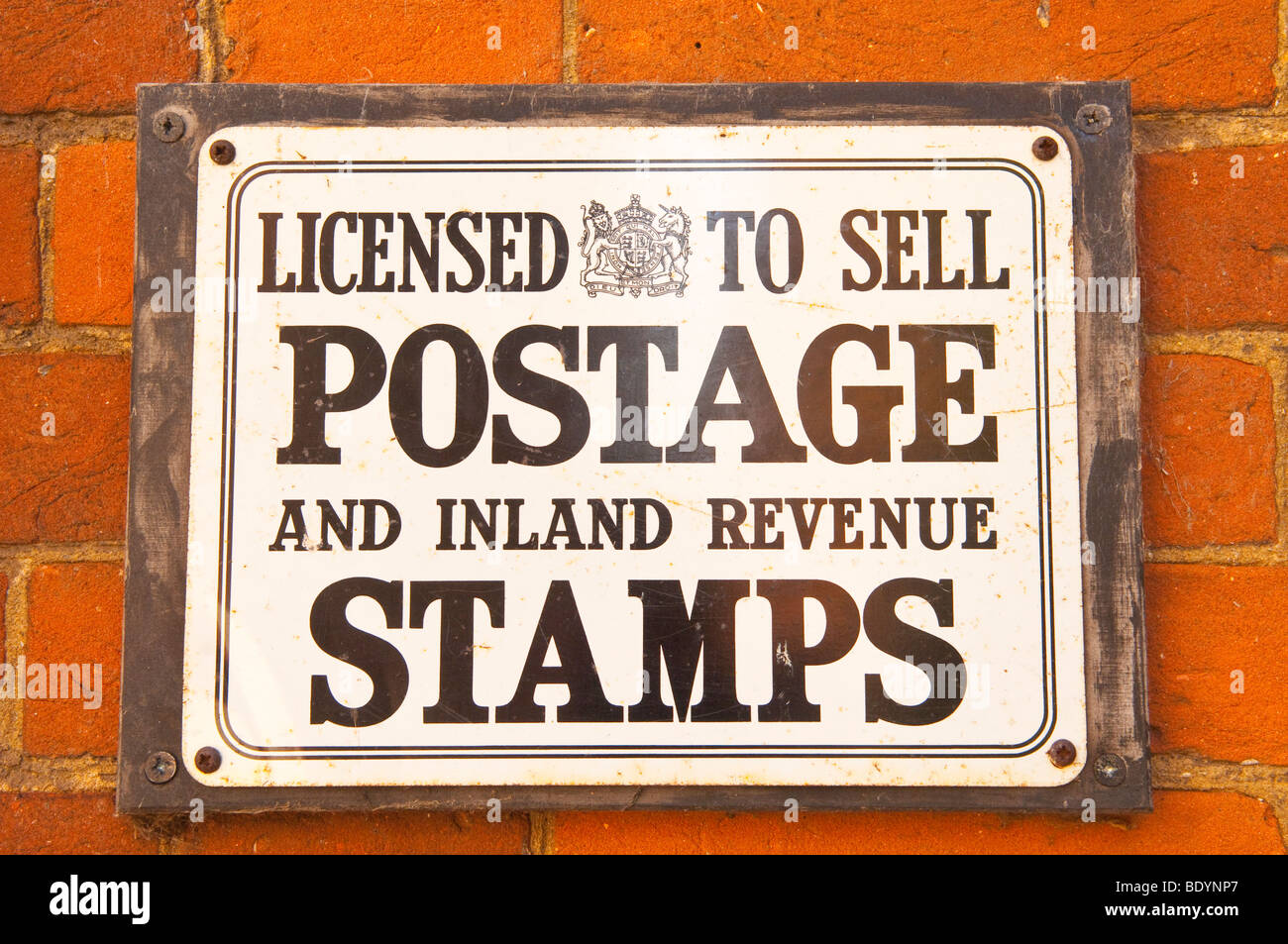 vintage signs stockfotos vintage signs bilder alamy. Black Bedroom Furniture Sets. Home Design Ideas