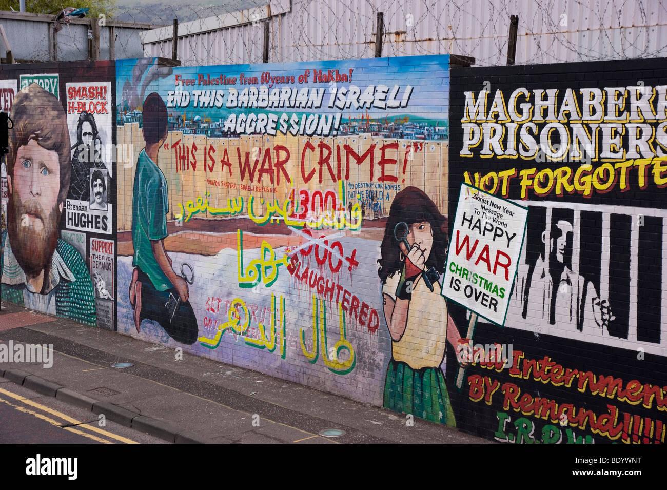 Belfast Irland 2009 Sinn Fein und andere politische Mauer Kunstmuseum der irischen republikanischen Geschichte Stockbild