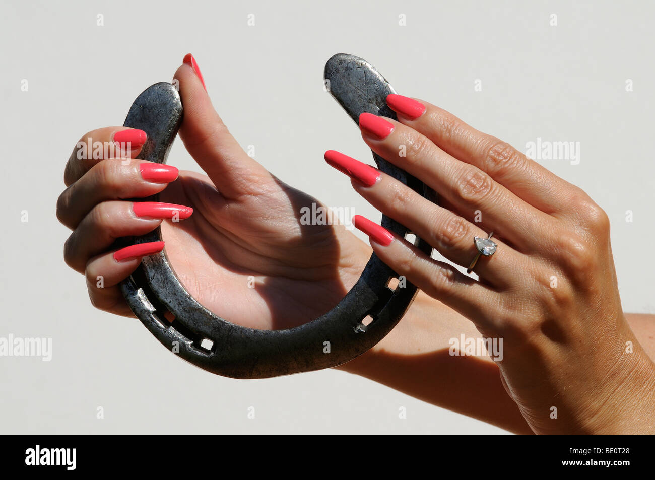 long red nails stockfotos long red nails bilder alamy. Black Bedroom Furniture Sets. Home Design Ideas