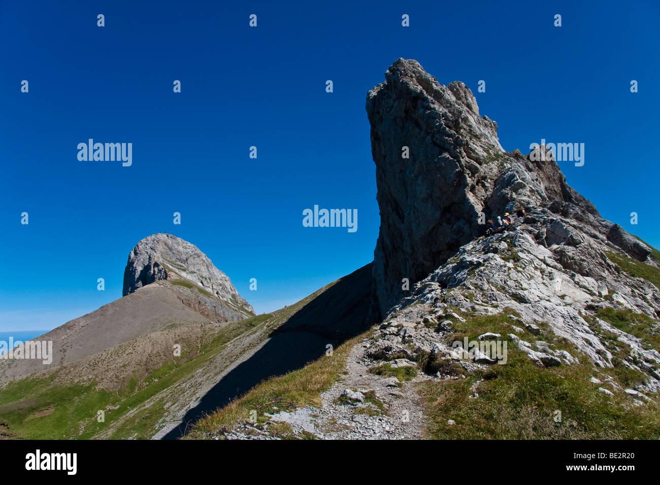 Mt. Oehrli auf der linken Seite, auf der rechten Seite des Mt. Haengeten, Alpsteingebirge Berge, Kanton St. Gallen, Stockbild