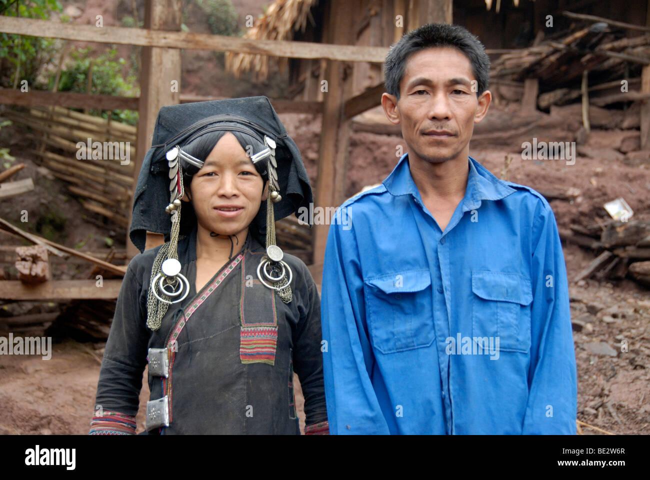 Porträt, Anthropologie, paar, Frau und Mann der ethnischen Gruppe der Akha Pixor, Frau tragen traditionelle Stockbild