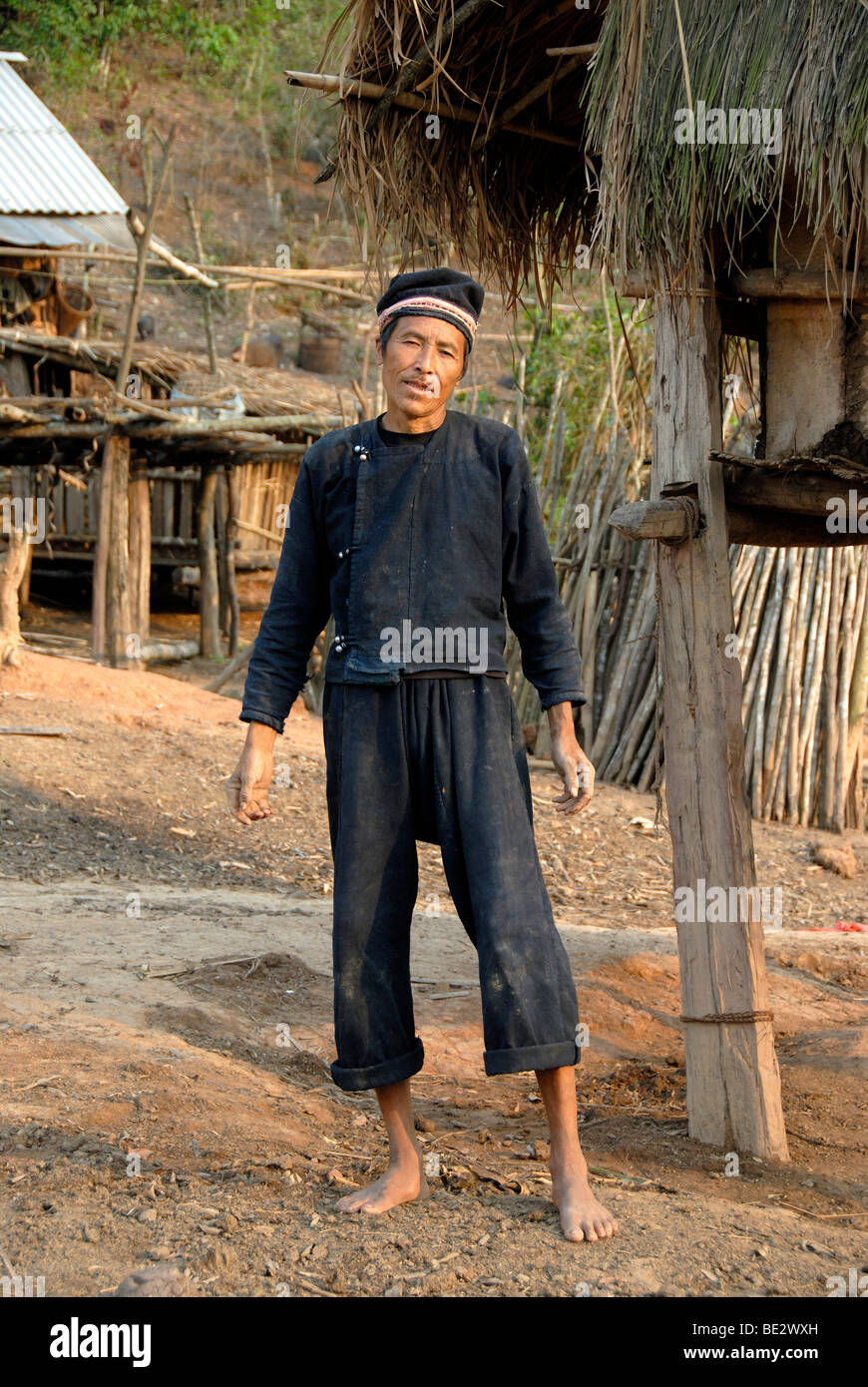 Armut, Ethnologie, Yao Mann gekleidet in traditioneller Tracht, Dorf Ban Houeyyoum, Distrikt Gnot Ou, Yot Ou, Phongsali, Stockbild