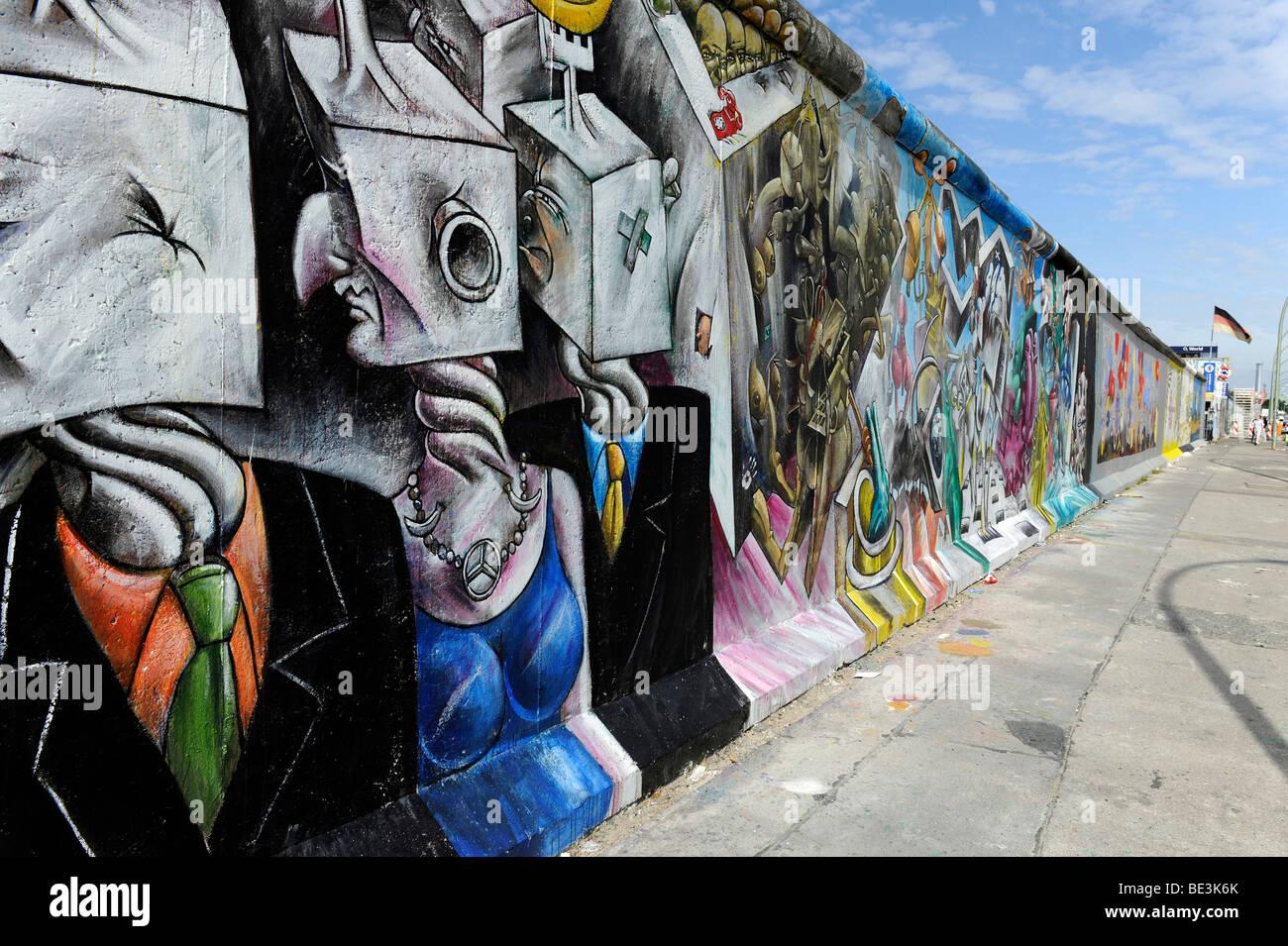 Teil der East Side Gallery, Stück der Berliner Mauer gemalt, nach dem Fall der Berliner Mauer, Berlin, Deutschland, Stockfoto
