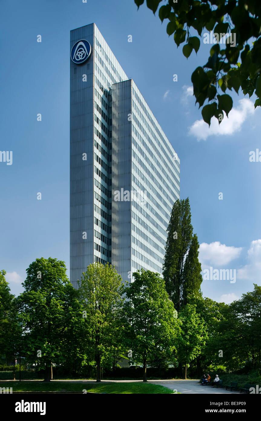 ThyssenKrupp AG, Verwaltungsgebäude, ehemaligen Wahrzeichen der Stadt Düsseldorf, Dreischeibenhaus, Düsseldorf, Stockfoto