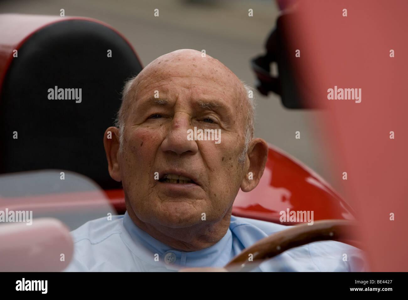 Sir Stirling Moss in seinen OSCA FS372 am Goodwood Revival 2009. Sir Stirling feierte seinen 80. Geburtstag hier Stockbild