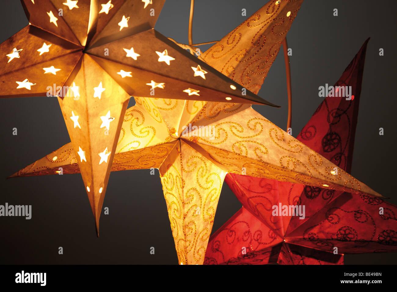Papiersterne Weihnachtsbeleuchtung.Papiersterne Stockfotos Papiersterne Bilder Alamy