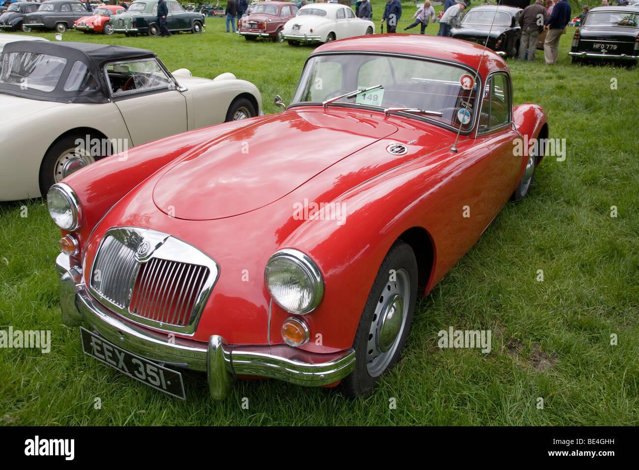 1960 MGA Coupe am historischen Autofahren Extravaganza 2009 Scottish Borders Stockbild