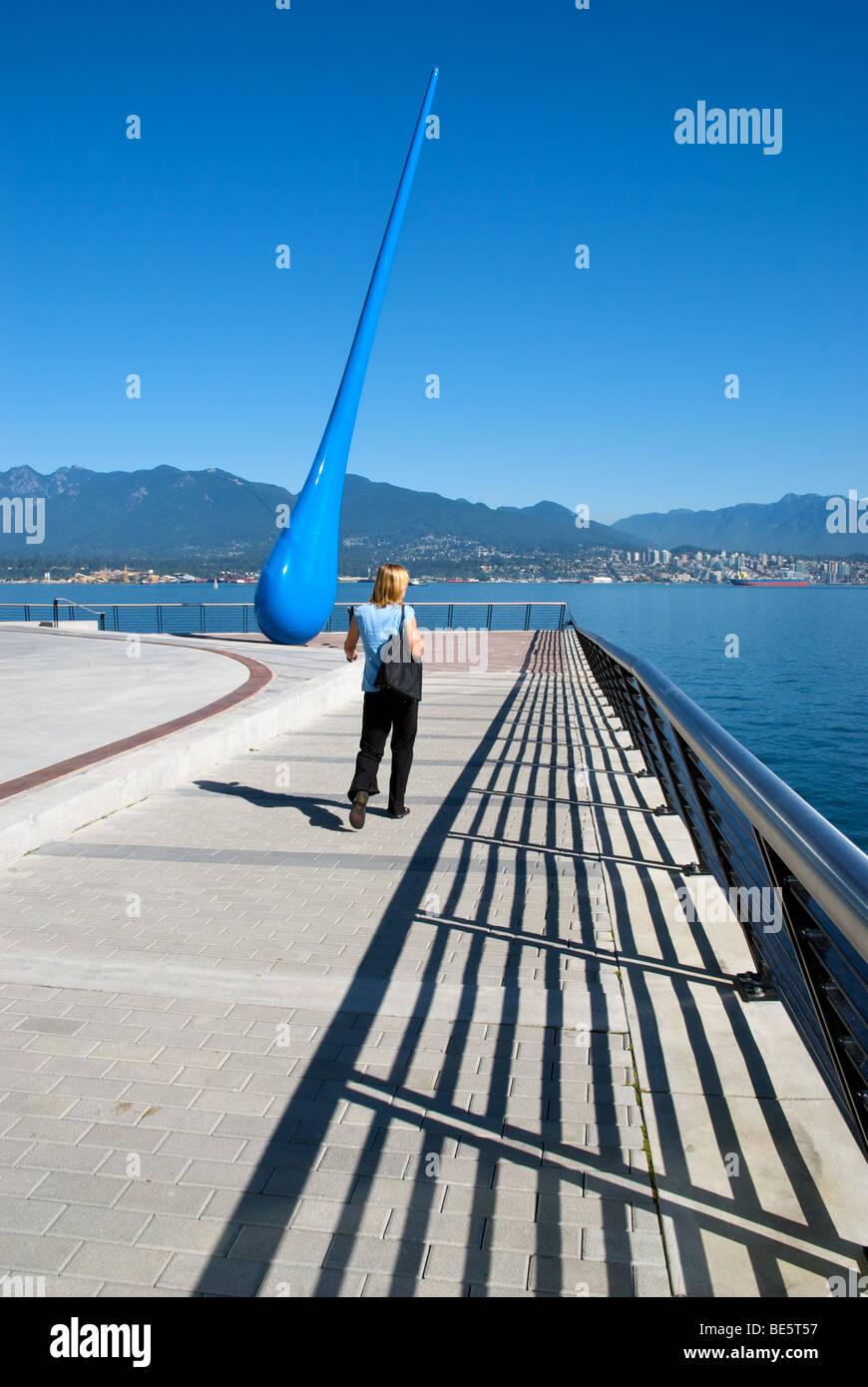 Tropfen, 20-Meter-Skulptur am Innenhafen Vancouvers, Berliner Künstlergruppe Inges Idee Stockbild