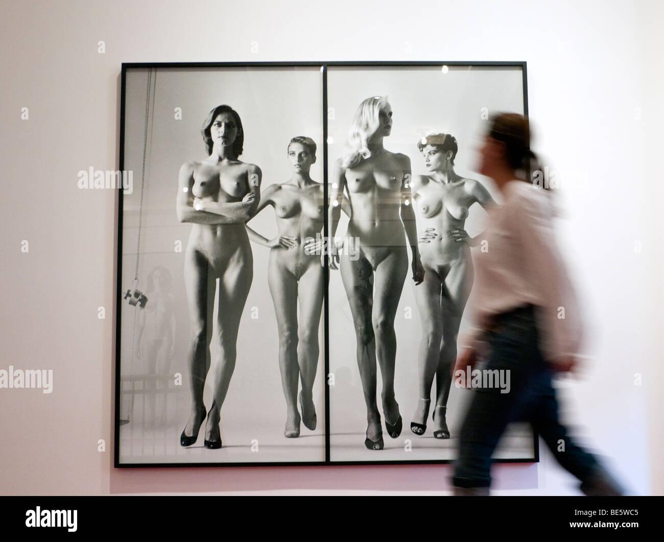 Foto von Helmut Newton am Museum der Fotografie in Berlin Stockbild