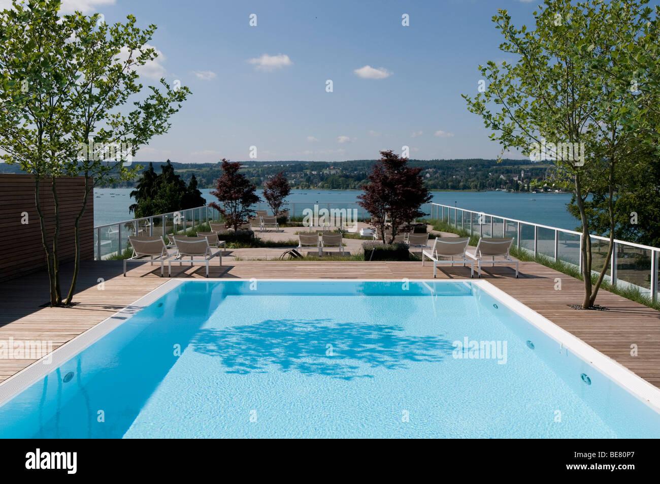 roof pool stockfotos roof pool bilder alamy. Black Bedroom Furniture Sets. Home Design Ideas