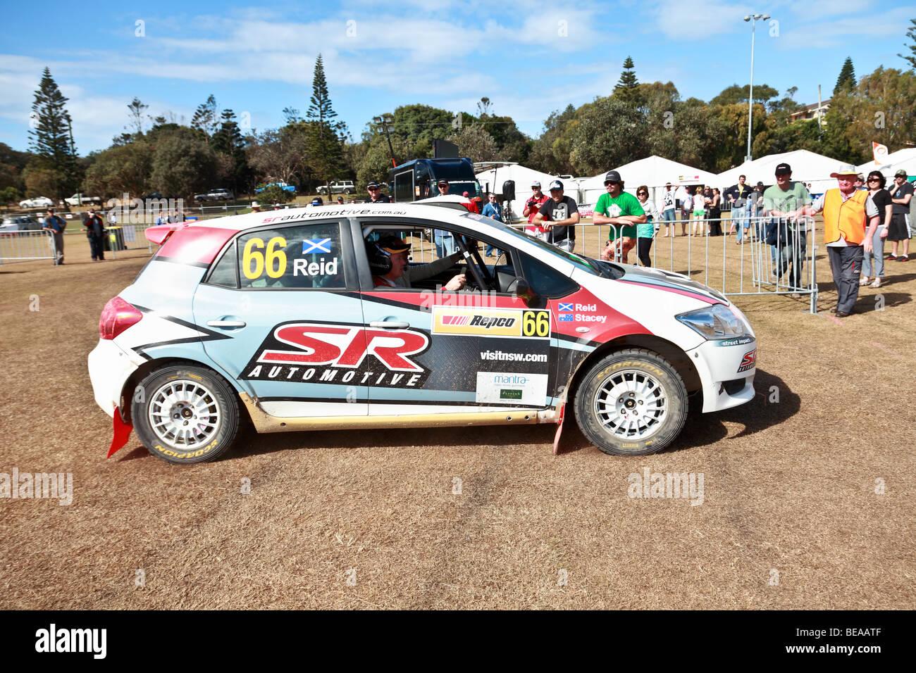 Motorsport: Rallye Australien 2009/WRC Rallye-Auto Einzug in seinen Boxenstopp Stockbild