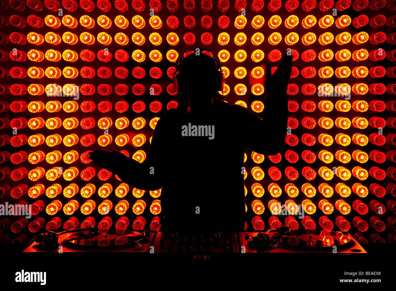 Ein DJ tanzen Stockbild