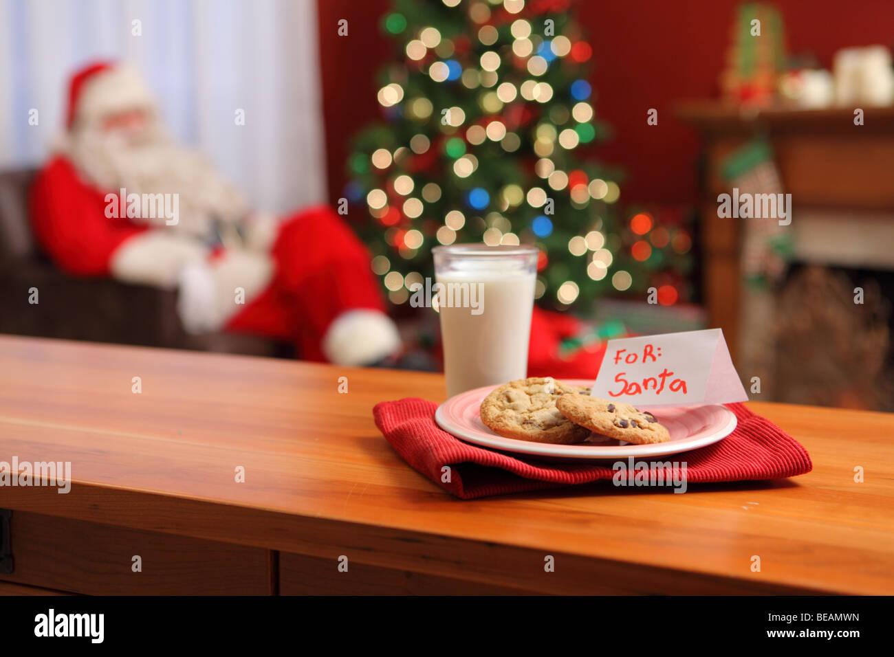 milch und kekse f r den weihnachtsmann stockfoto bild. Black Bedroom Furniture Sets. Home Design Ideas