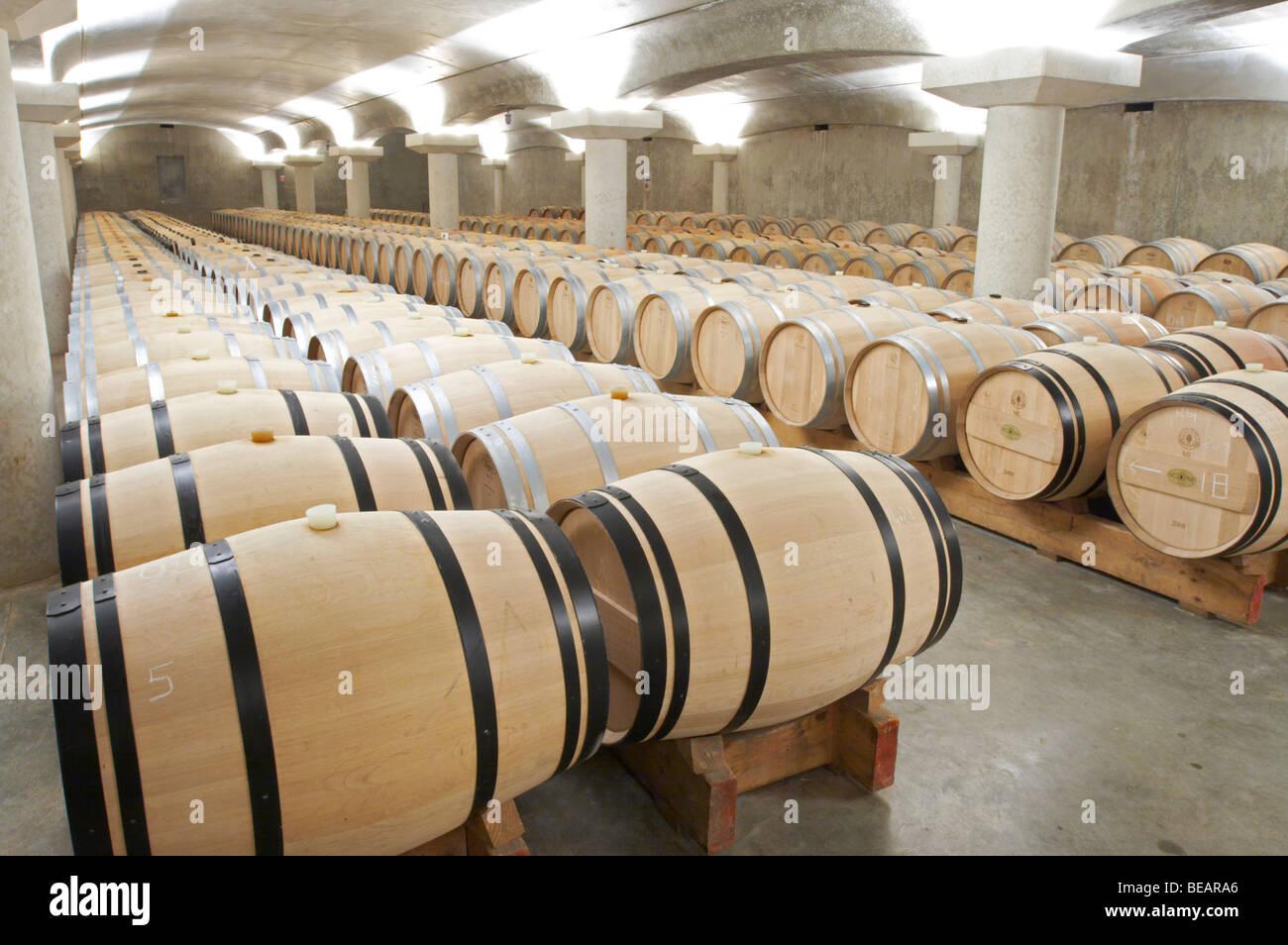 L Barrel Stockfotos & L Barrel Bilder - Alamy