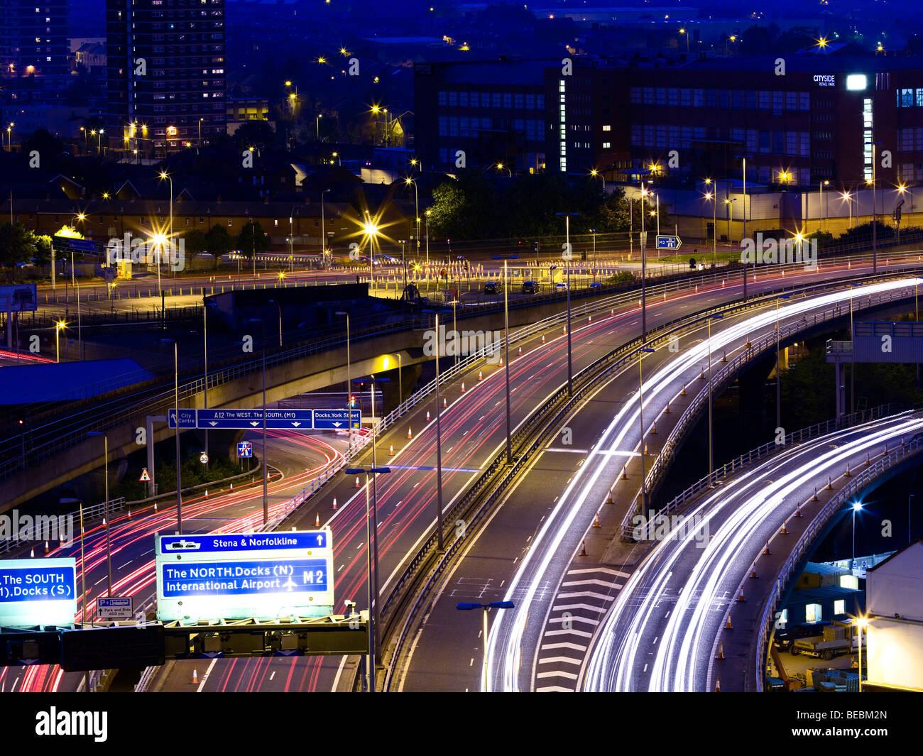 Belfast-Autobahn in der Abenddämmerung Stockfoto