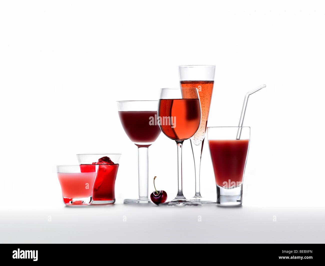 Kalte Getränke, Säfte, Smoothies, Wein und Champagner Stockfoto ...