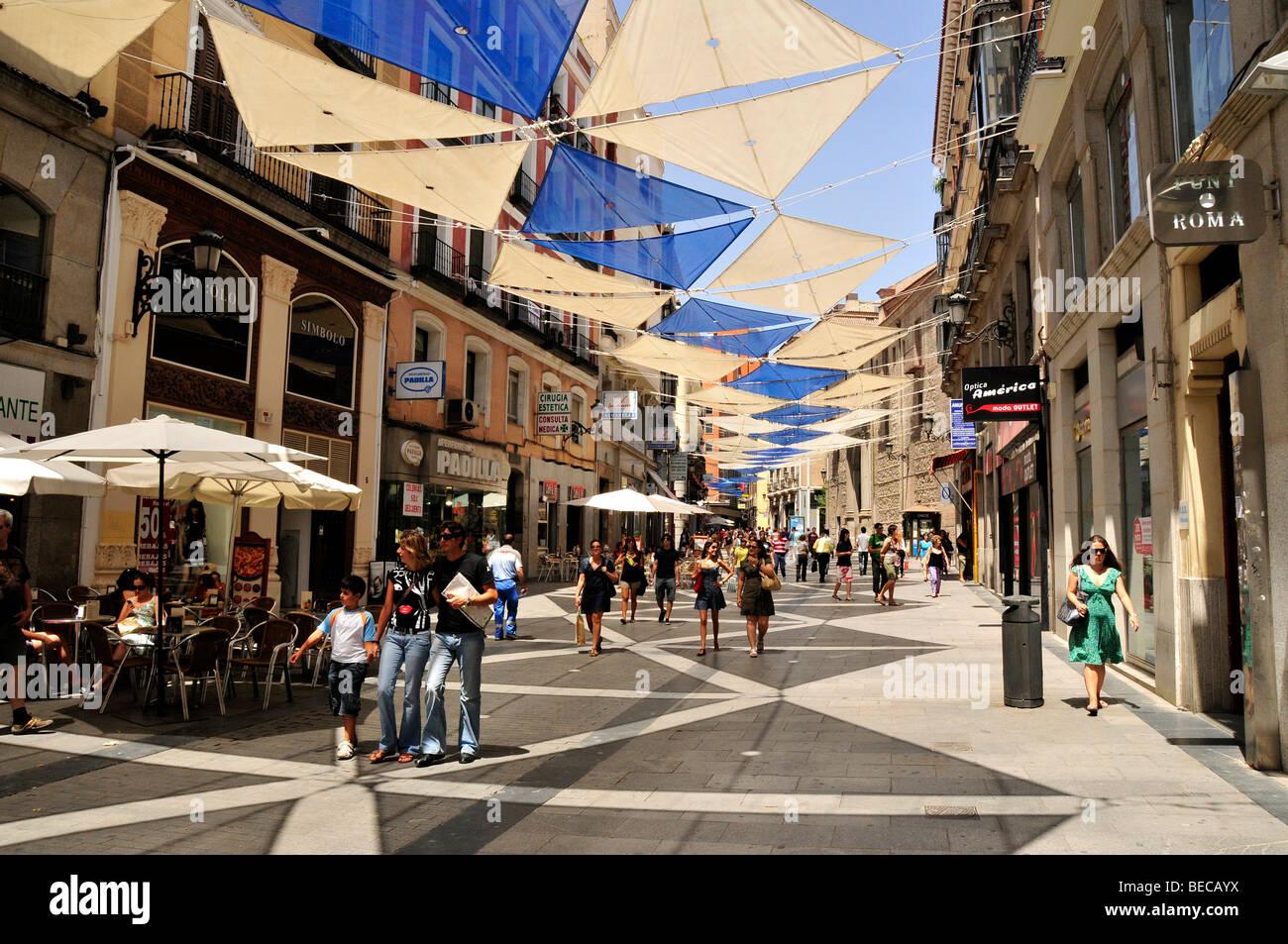 Einkaufsstraße Calle del Carmen, Madrid, Spanien, Iberische Halbinsel, Europa Stockbild