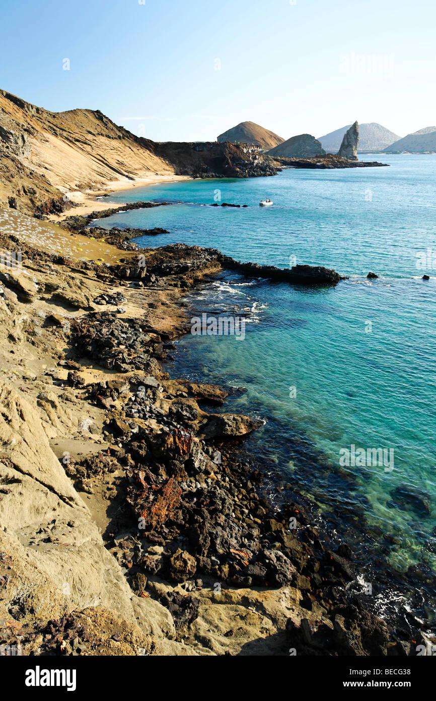Lava-Formationen, Bucht, Pinnacle Rock, Bartolomé Insel, Galapagos Achipelago, UNESCO-Weltkulturerbe, Ecuador, Stockbild