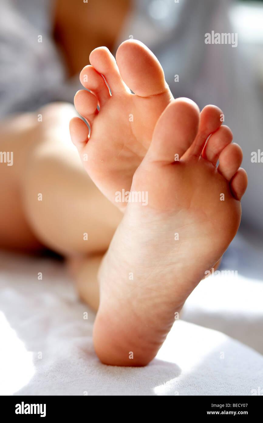 Womans Füße hautnah Stockbild