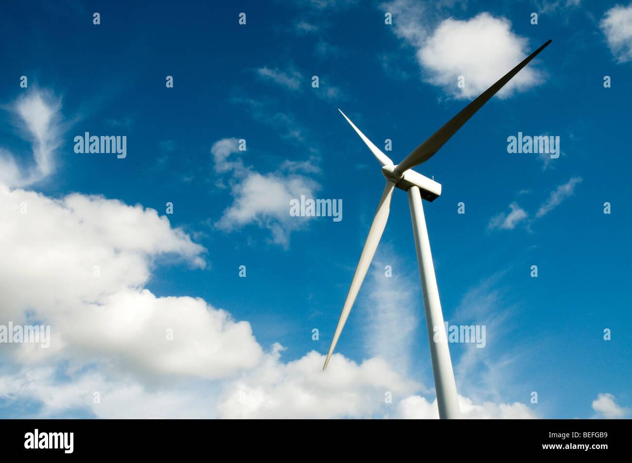 Nahaufnahme einer Windenergieanlage Stockbild