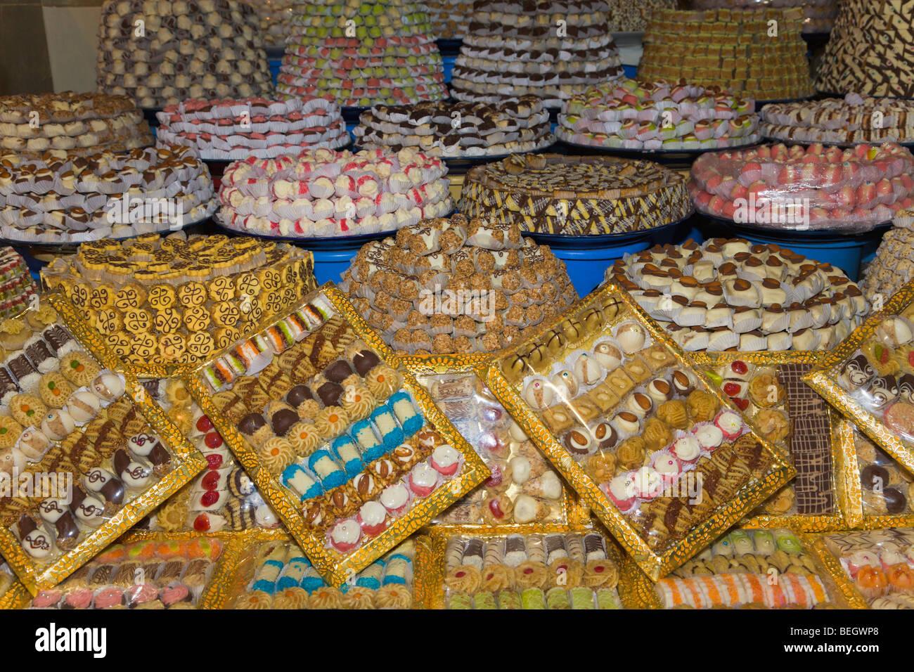 Süßigkeiten und Gebäck am Marktstand Meknes Marokko Stockfoto ... | {Süßigkeiten & gebäck 33}