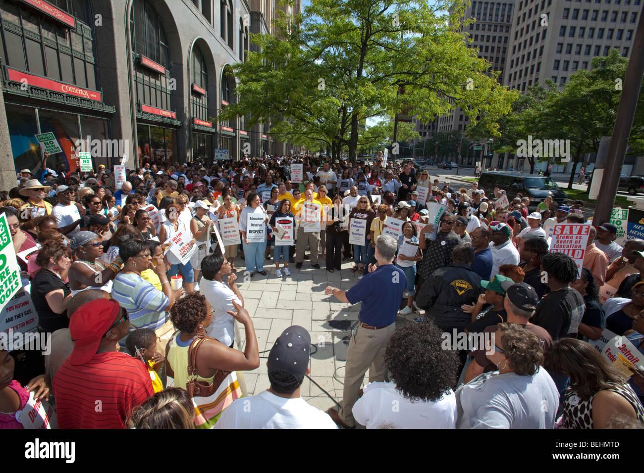 Detroit, Michigan - Detroit Public School Lehrer Kundgebung gegen Forderungen nach Lohnkürzungen und andere Stockbild