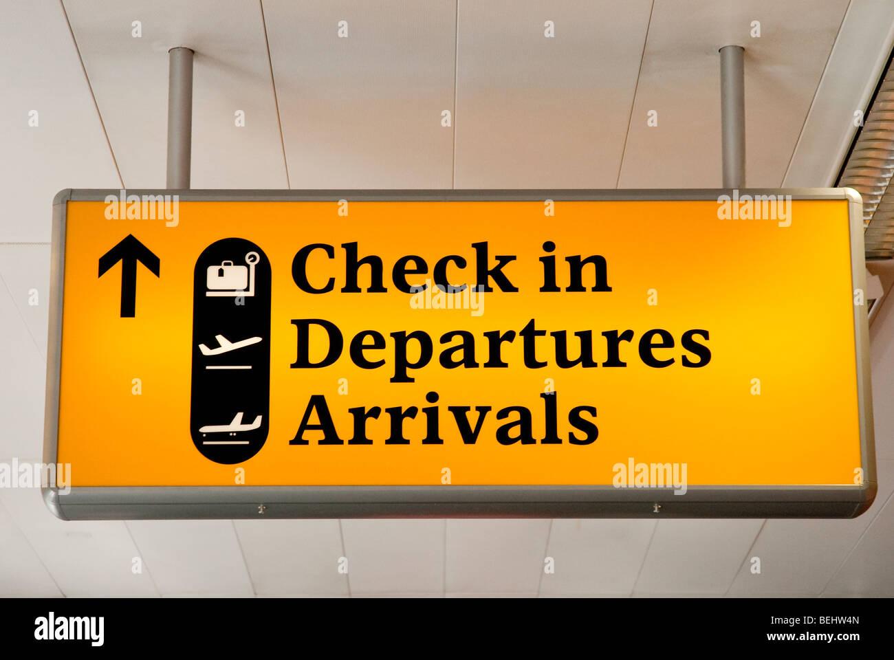 Flughafen Check-in, Abflüge, Ankünfte Zeichen Stockbild