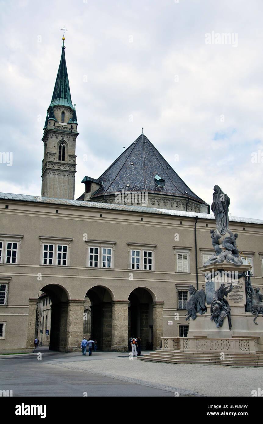 Marienstatue am Domplatz, Salzburg, Österreich Stockbild