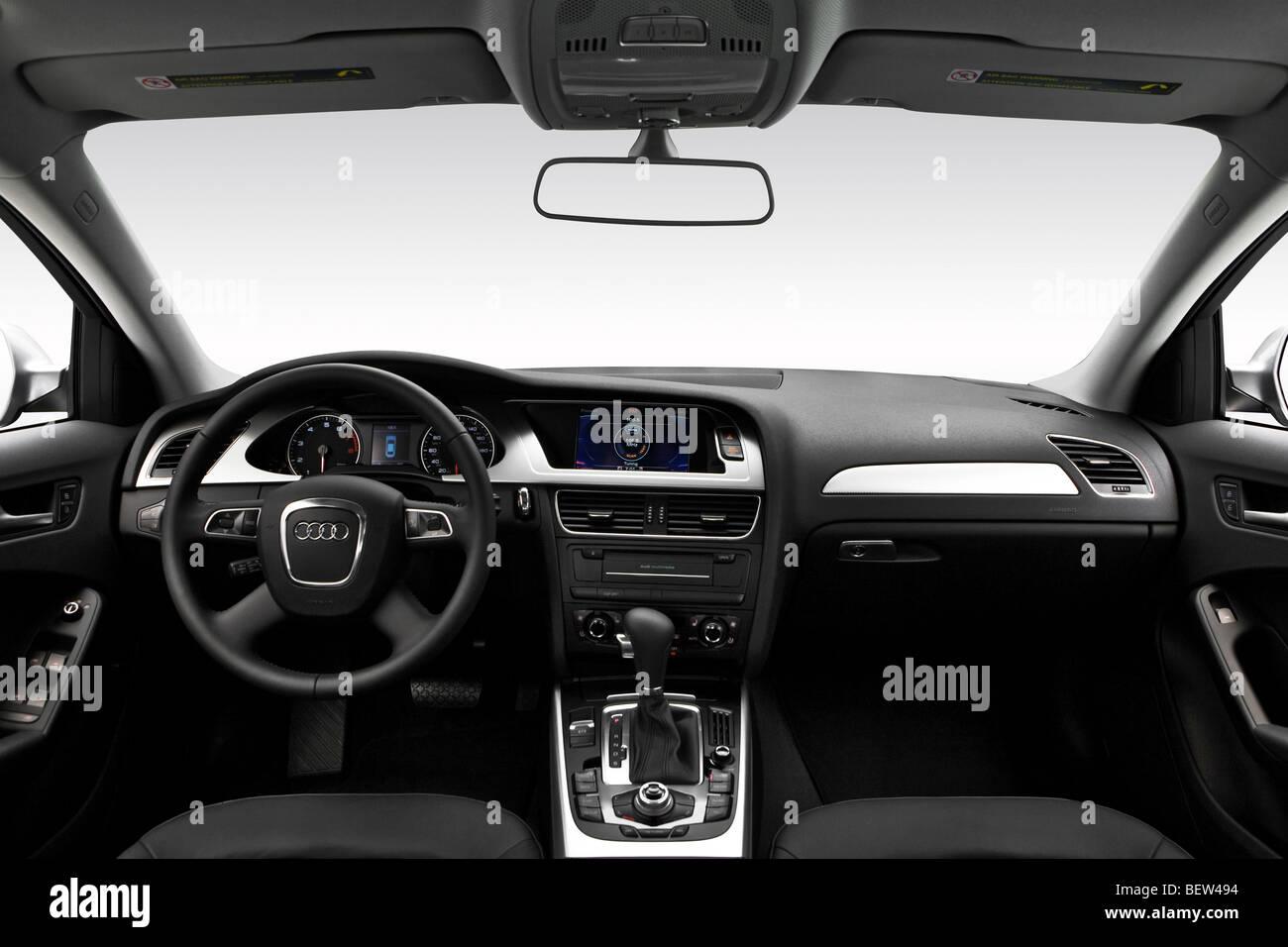 Armaturenbrett audi  2010 Audi A4 2.0 t in grau - Armaturenbrett, Mittelkonsole, Getriebe ...