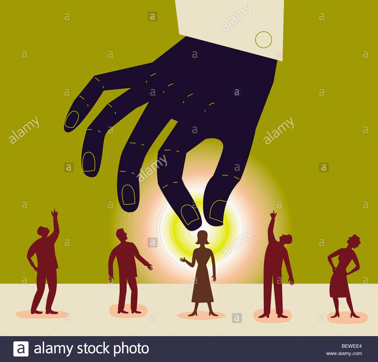 Große Hand reichend Geschäftsfrau abholen Stockbild