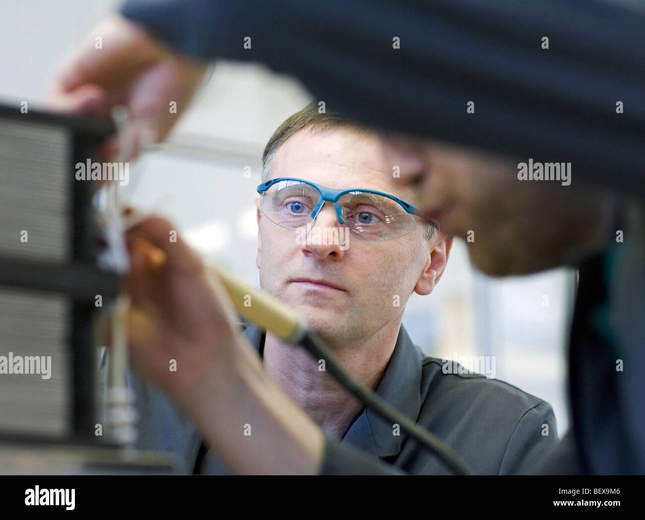Staxera GmbH, Produktion von Stickoxid-Brennstoffzellen-stacks Stockbild
