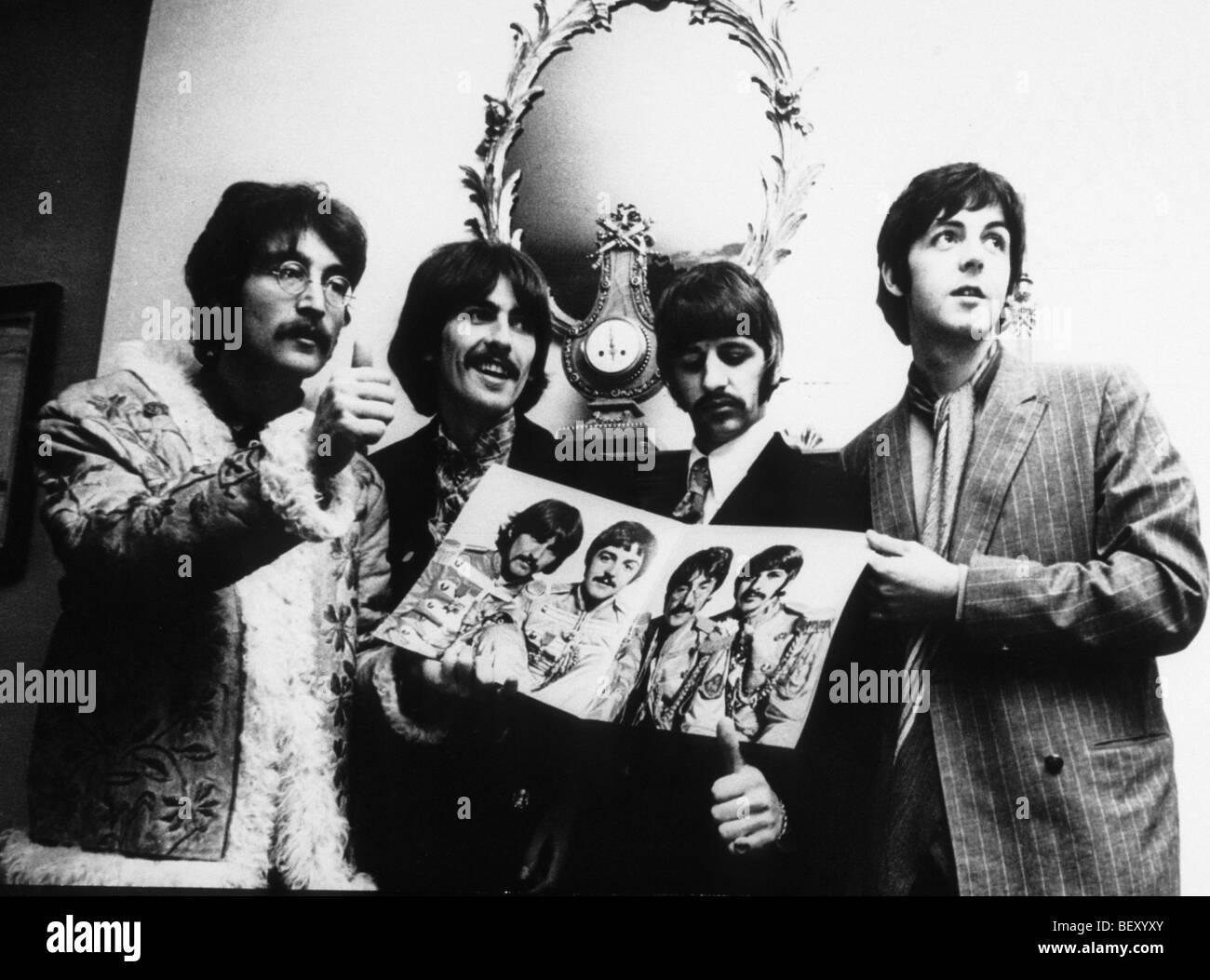 """George Harrison"""" der Beatles John Lennon """"Paul mccartney"""" Ringo Starr Stockbild"""