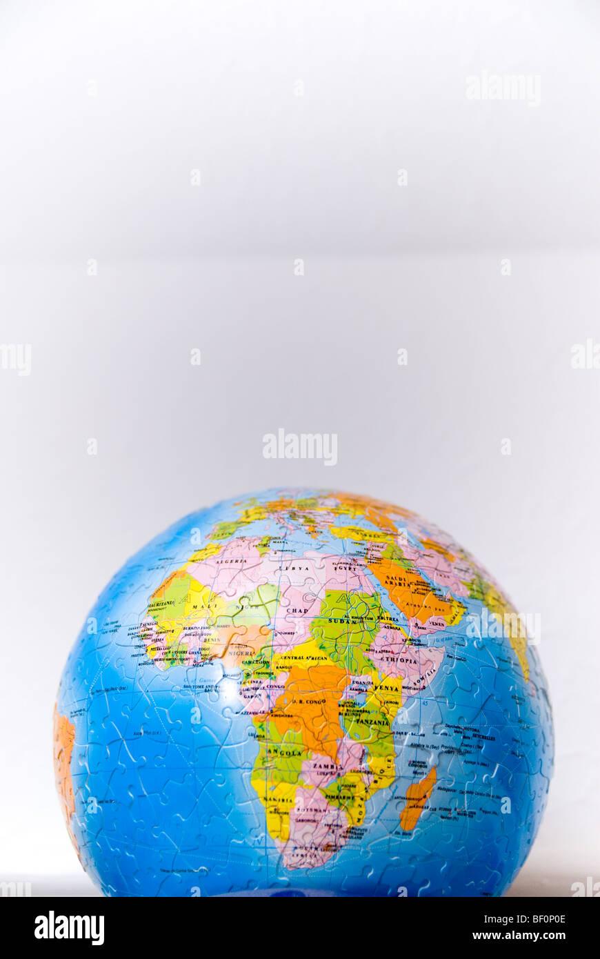 Afrika, dem Kontinent; gezeigt auf einem Globus der Welt (Puzzle) Stockbild