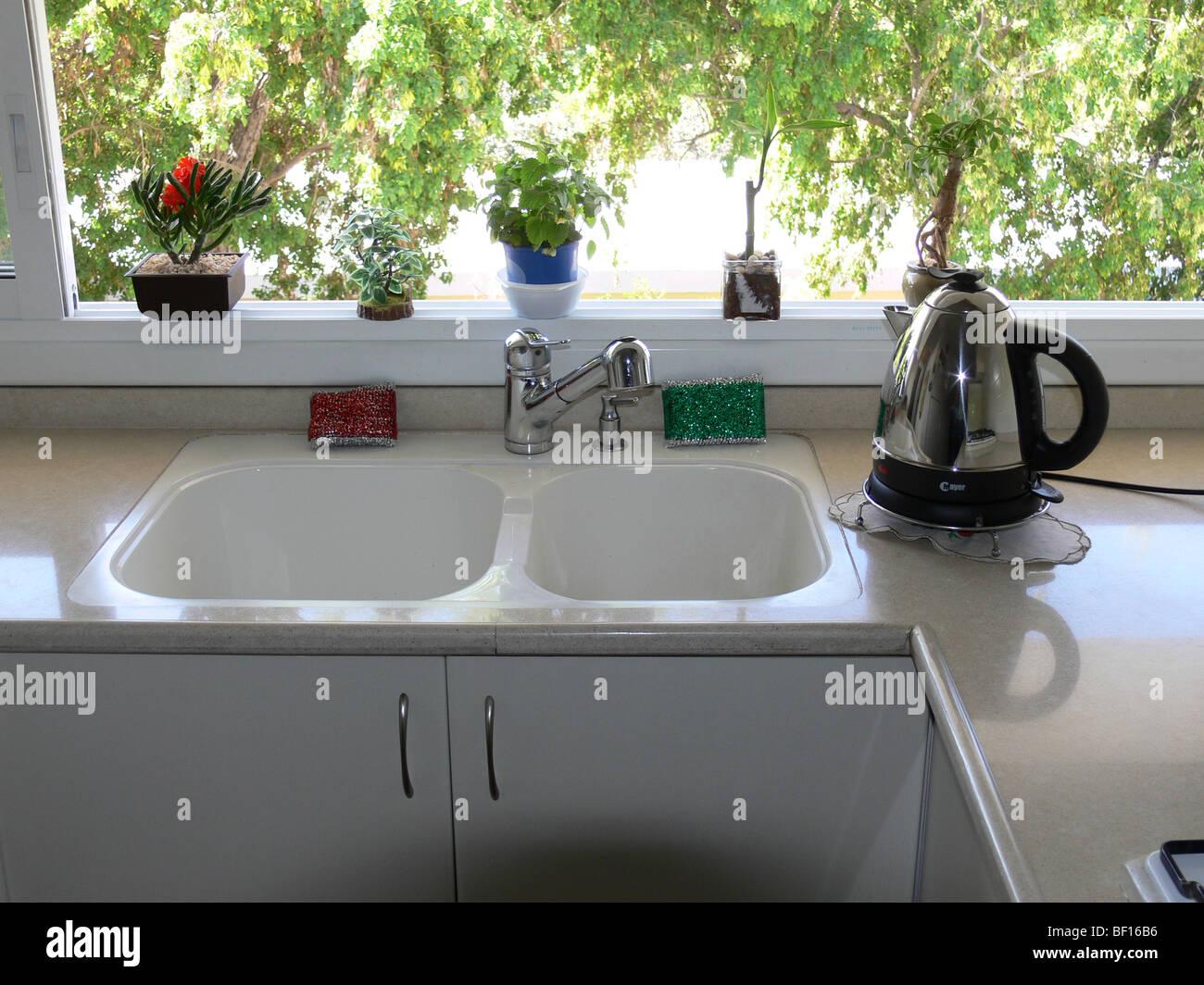 Double Sink Stockfotos & Double Sink Bilder - Alamy