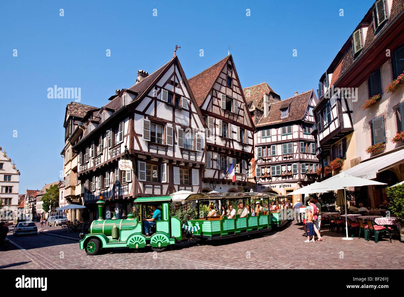 Rue des Marchands, Fachwerkhäuser in der Altstadt von Colmar, Colmar, Elsass, Frankreich Stockbild