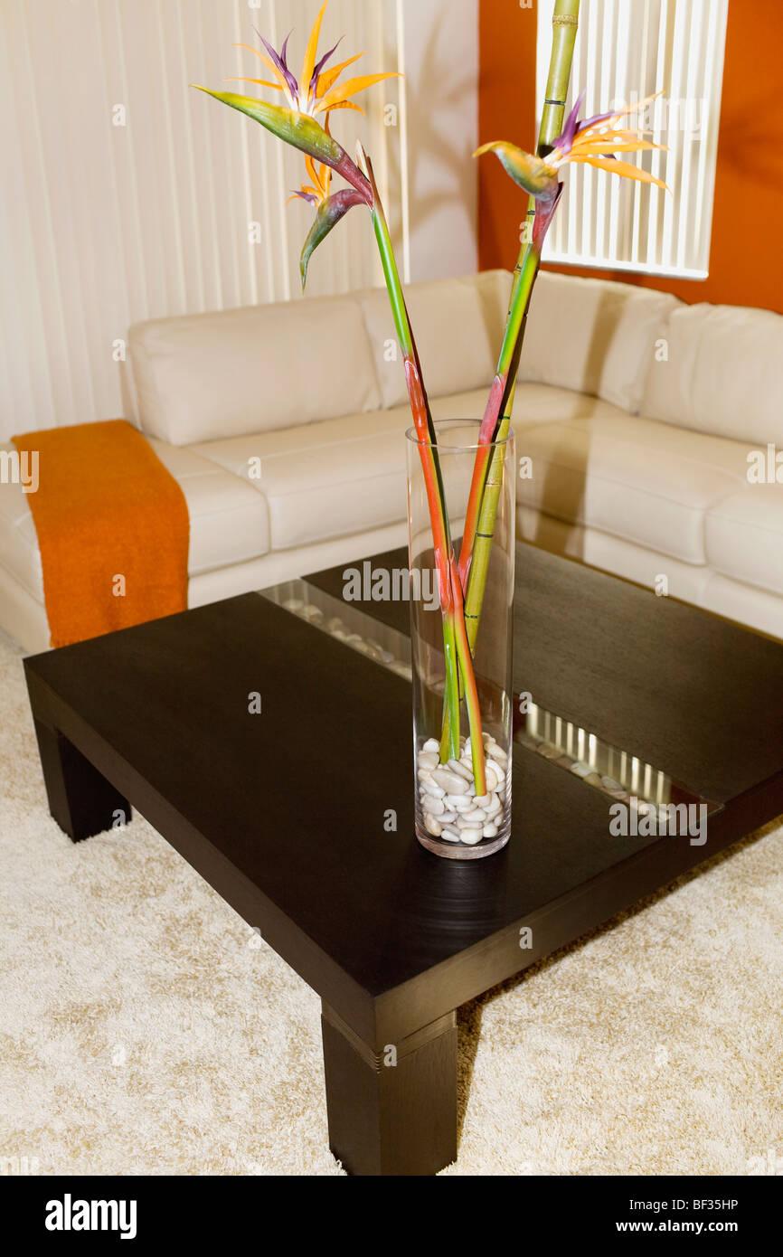 Bambus auf einem Tisch im Wohnzimmer Stockfoto, Bild: 26500482 - Alamy