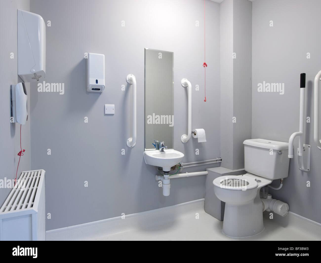behindertengerechte Badezimmer Einrichtung Stockfoto, Bild: 26505391 ...