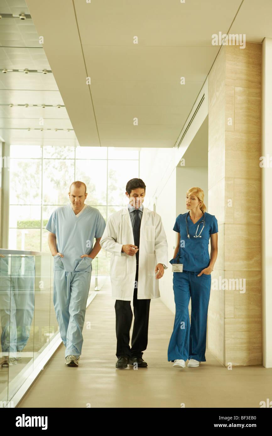 Medizinisches Personal in modernen Anlage Stockbild