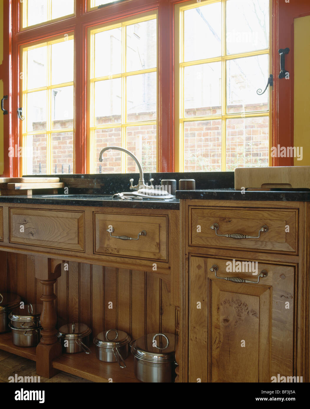 Window Above Sink In Kitchen Stockfotos & Window Above Sink In ...