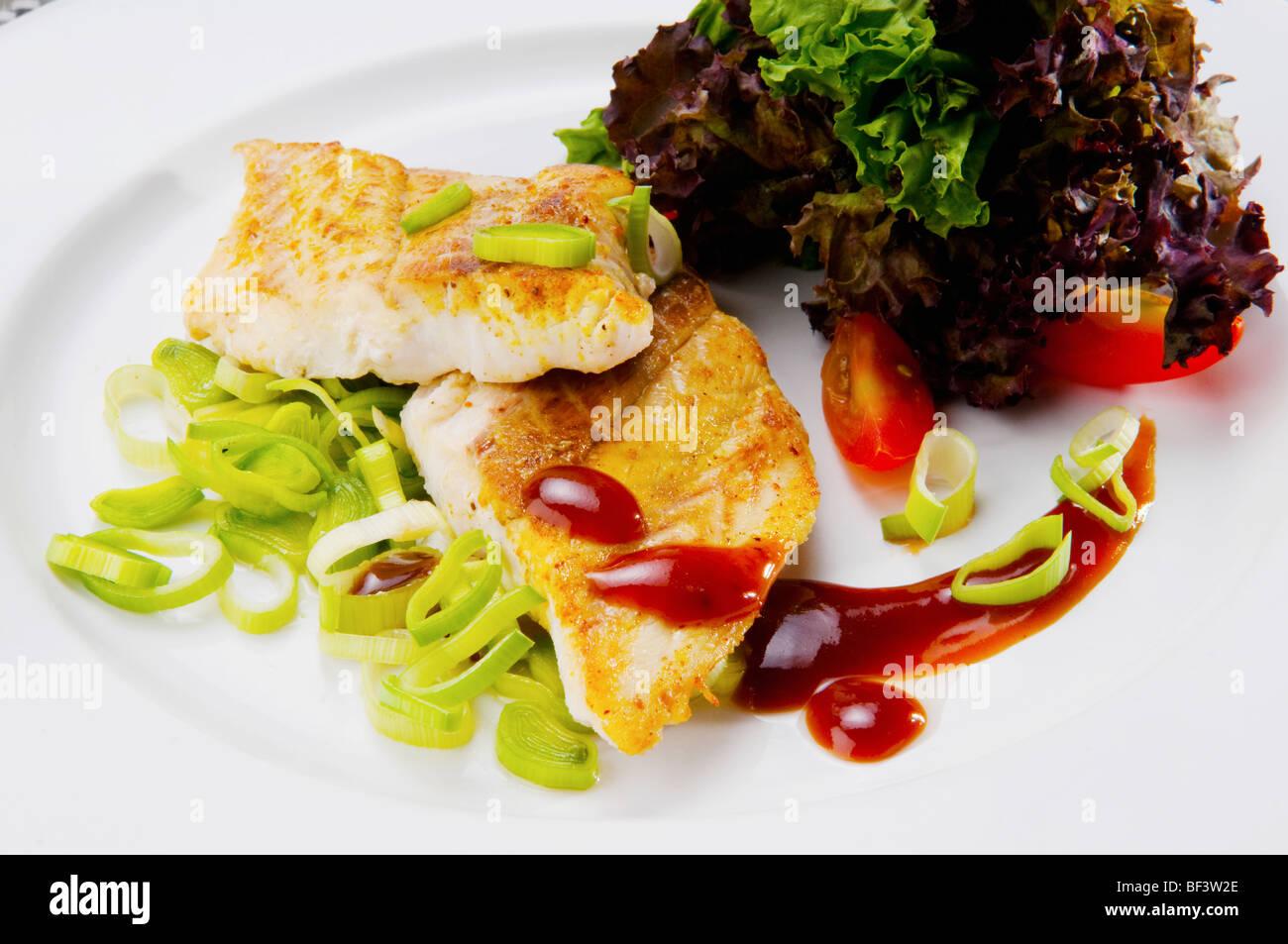 Nahaufnahme eines Gerichts der Fischfilets Stockbild