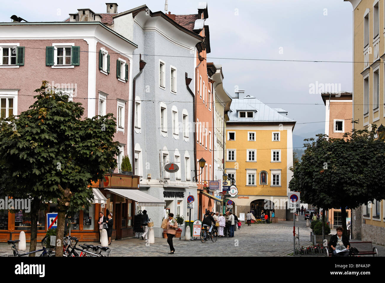 historische alte stadt hallein salzburger land region salzburg sterreich europa stockfoto. Black Bedroom Furniture Sets. Home Design Ideas