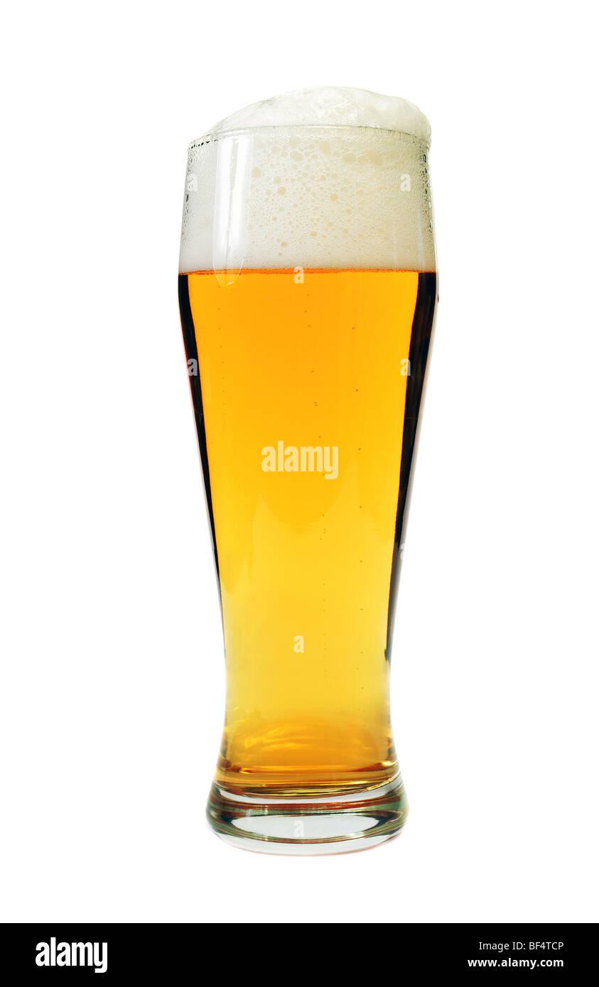 Glas Bier isoliert auf weiss Stockbild
