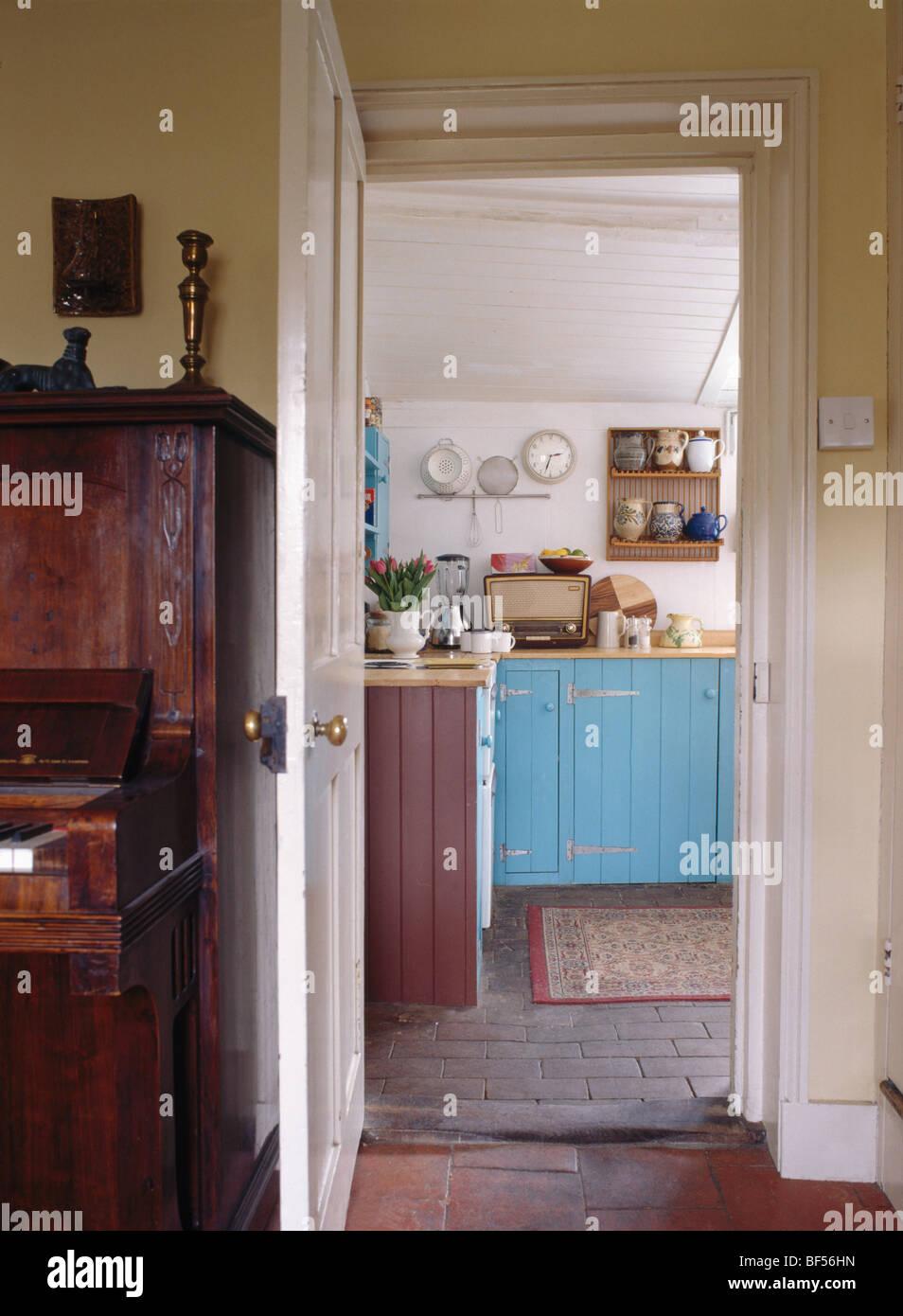 Ungewöhnlich Blaue Tür Küche Chicago Galerie - Ideen Für Die Küche ...