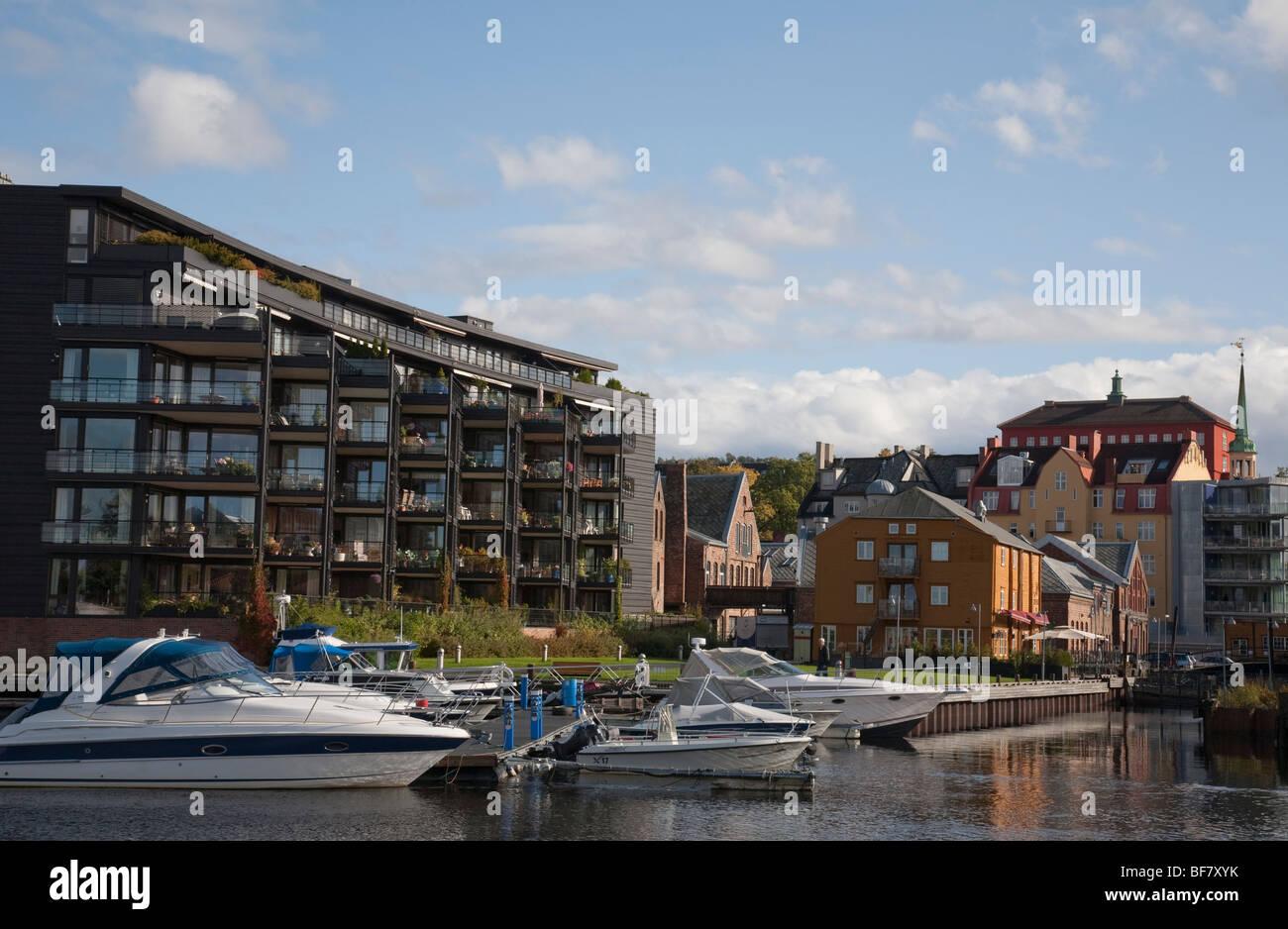 Norwegen Trondheim Baklandet Bryggen Brücke moden Architektur Stockbild
