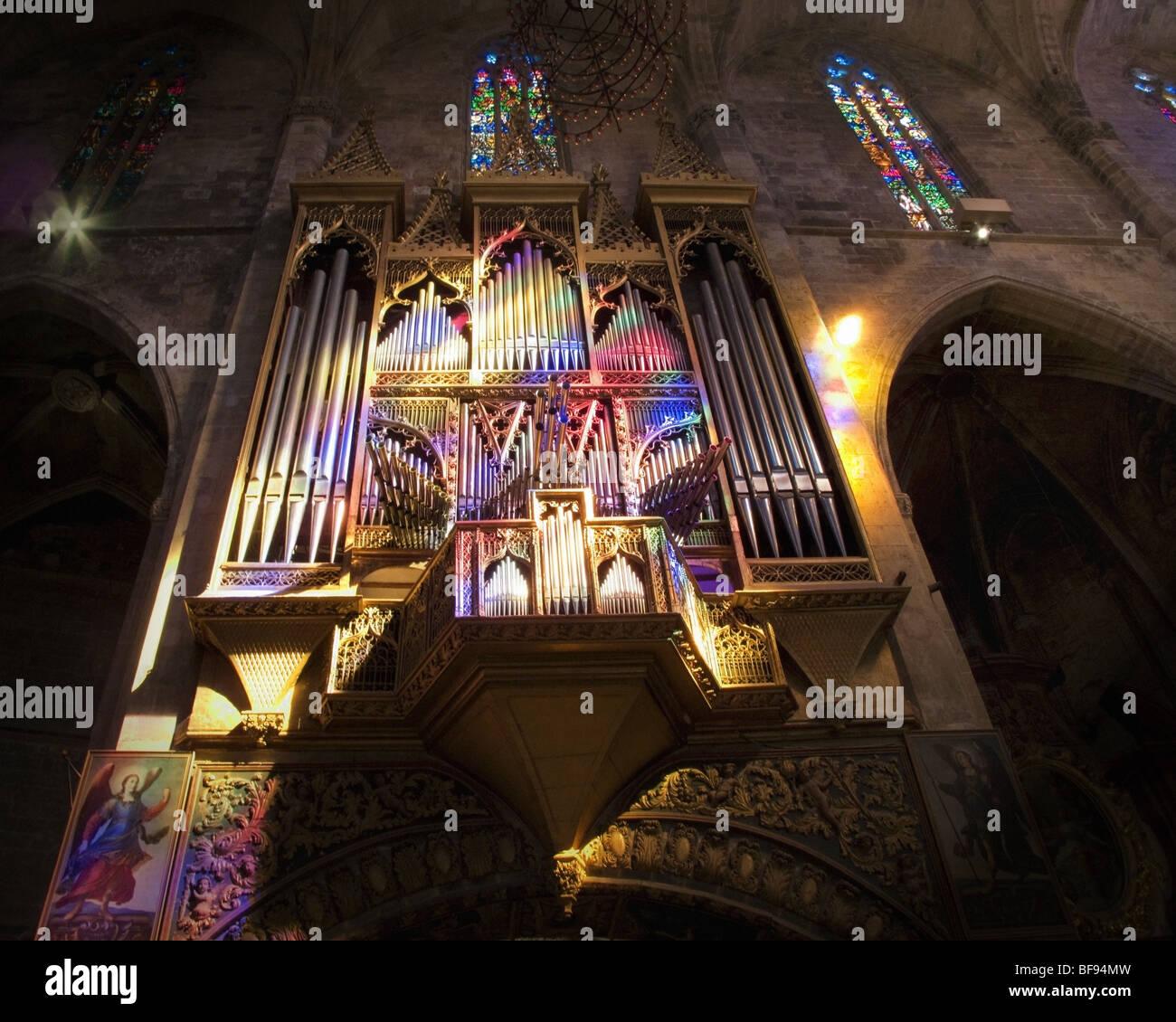 ES - MALLOARCA: La Seu Kathedrale Orgel in Palma De Mallorca Stockbild