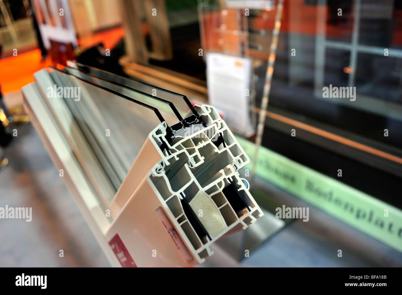 """Paris, Frankreich, Bau Equipment Trade Show, Detail, """"Dreifach verglaste"""" Isolierfenster, Display, grün Stockbild"""
