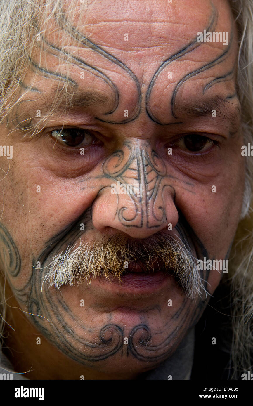 Maori tattoo needle stockfotos