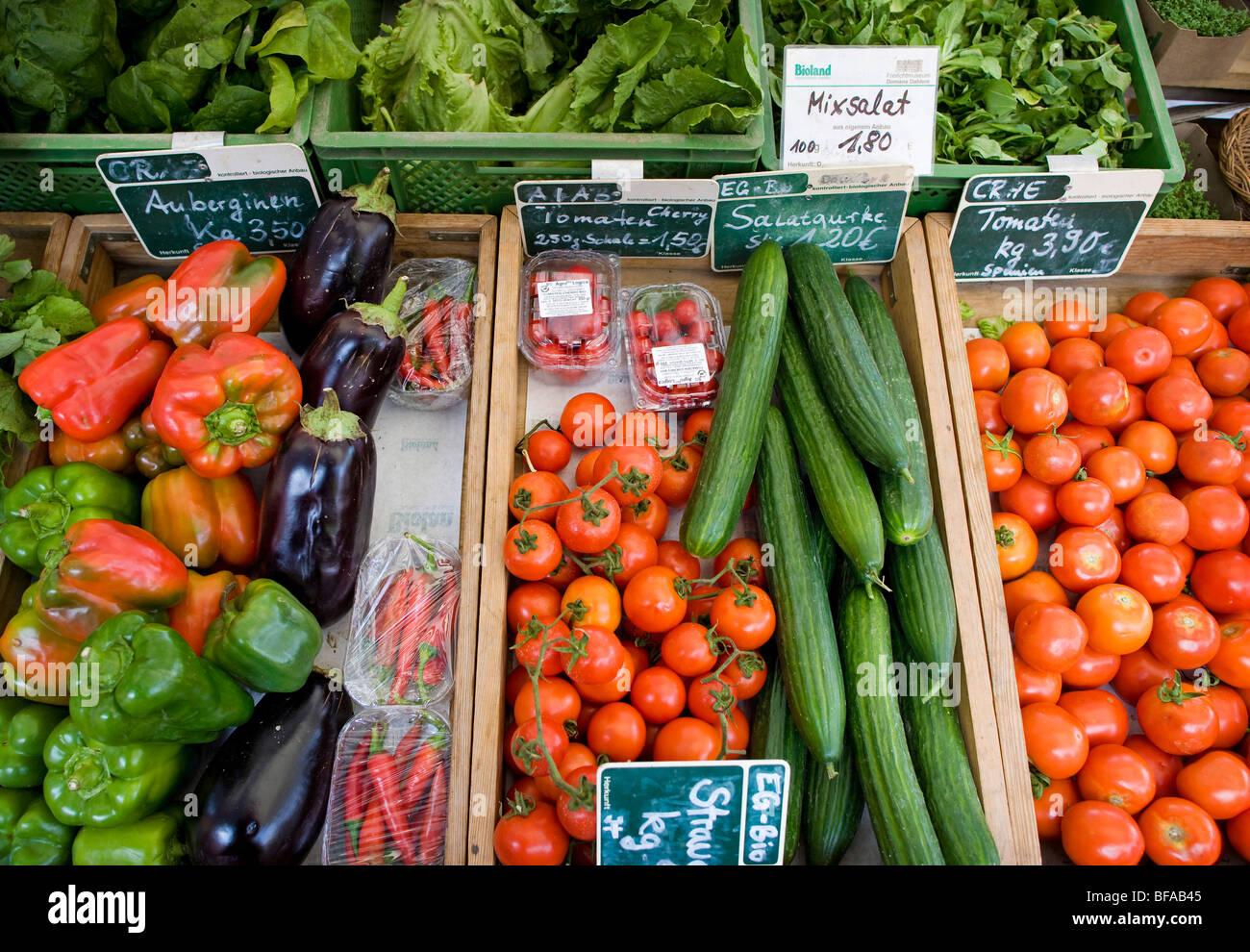 Gemüse auf einem Bauernmarkt. Berlin, Deutschland Stockbild